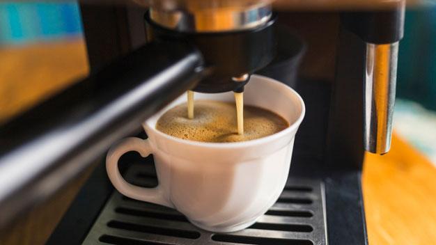 Ekspres do kawy bez kapsułek – czy warto go wybrać?