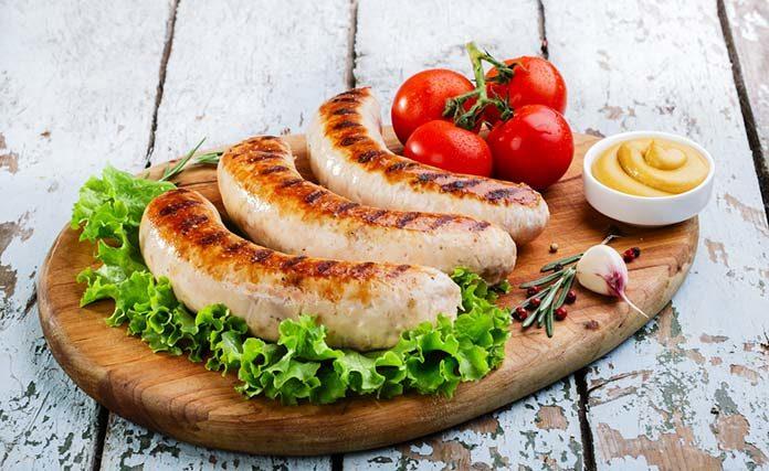 Kiełbasa z grilla – klasyka w chrupiącym wydaniu