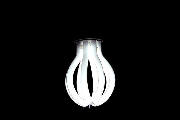 Zdalne sterowanie żarówkami LED i innym oświetleniem - Lutron